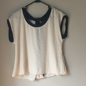 Cute open back top Size: Medium